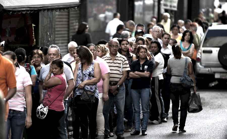 dinero bolivar venezuela tiempo colas socialismo libre mercado