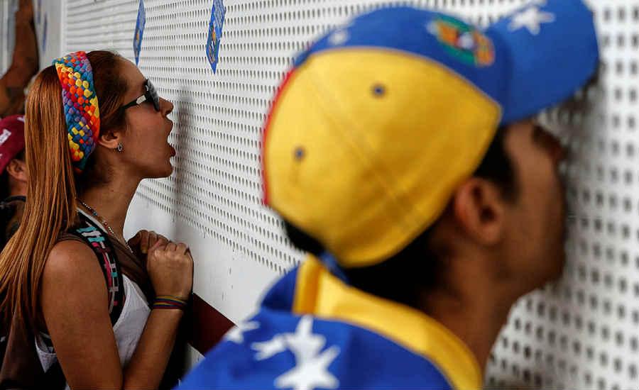 en-venezuela-la-lucha-es-pacifica-o-docil