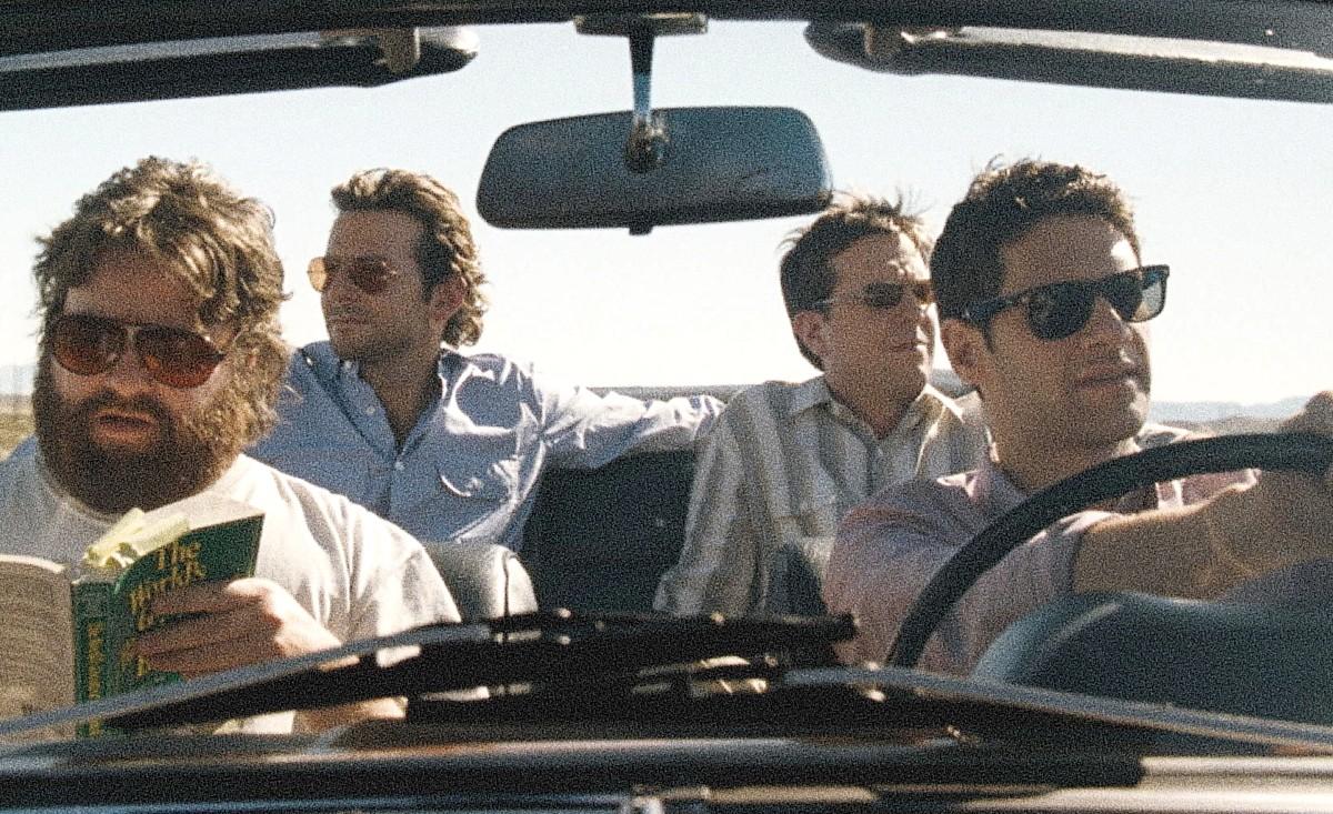 Escena de pelicula Hangover actores en carro - estas leyendo iF Revista Libertaria Cuestiona Todo